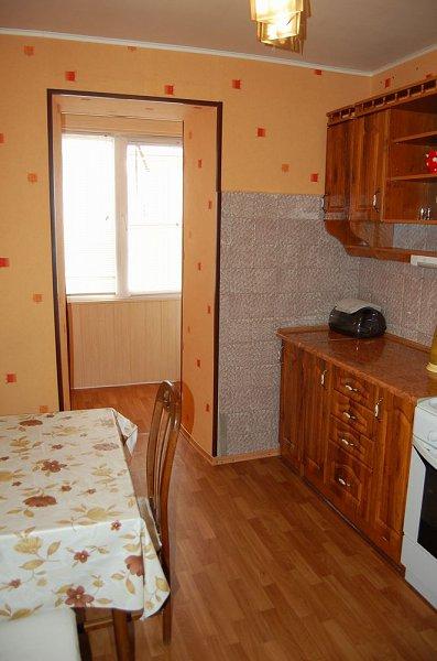 1-кімнатна квартира подобово, Луганськ, вул. Коцюбинського, 27 (4)