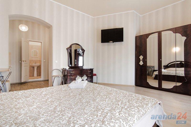 1-комнатная квартира посуточно, Одесса, пер. Покровский, 8 (2)