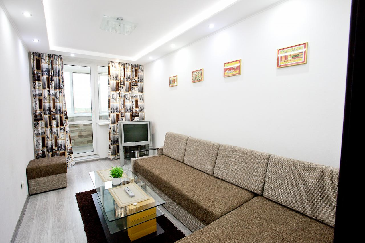 2-кімнатна квартира подобово, Київ, вул. Радунська, 30 (3)