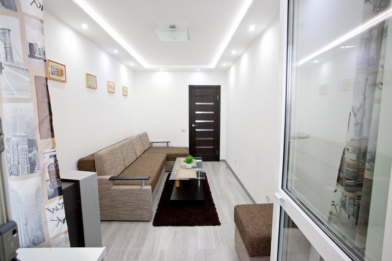2-кімнатна квартира подобово, Київ, вул. Радунська, 30 (4)
