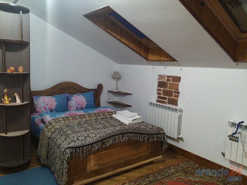 Трускавец. Квартира в стиле Шале синяя (5)