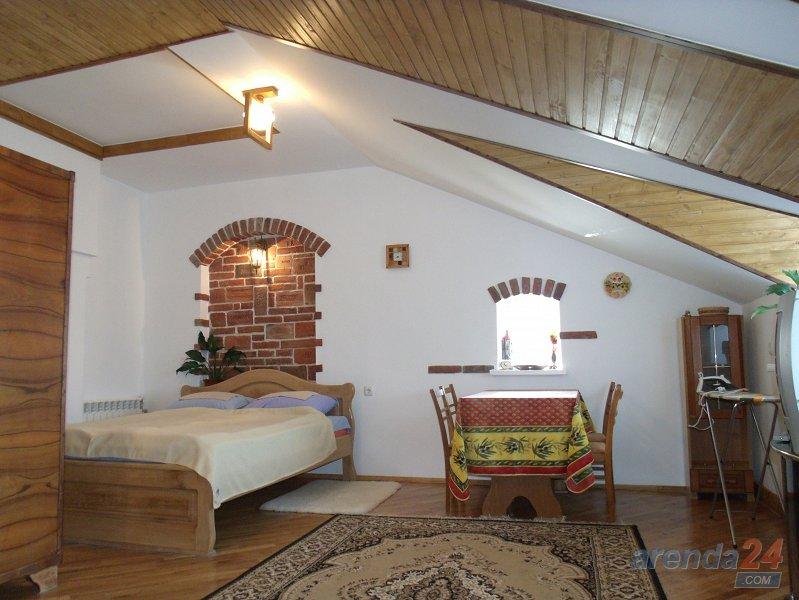 Квартира в стиле шале красная с личной парковкой