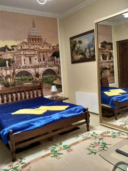 Красивая уютная квартира с ремонтом и новой мебелью в историческом центре города со своим двориком (7)