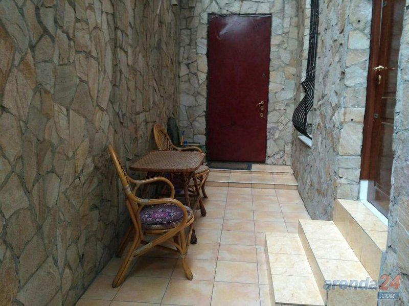 Красивая уютная квартира с ремонтом и новой мебелью в историческом центре города со своим двориком (3)