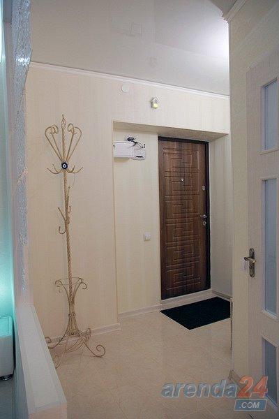 1-кімнатна квартира подобово, Миколаїв, вул. Адміральска, 19 (10)