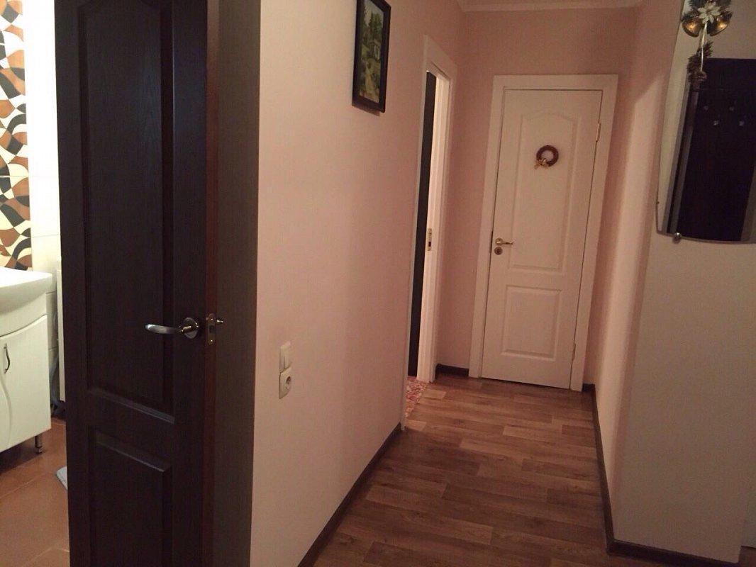 2-комнатная квартира посуточно, Львов, ул. Патона, 11 (8)