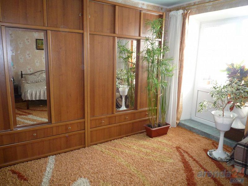 Квартира 80 кв.метров, WI-FI , 2 телевизора. 200 м до санаториев. (1)