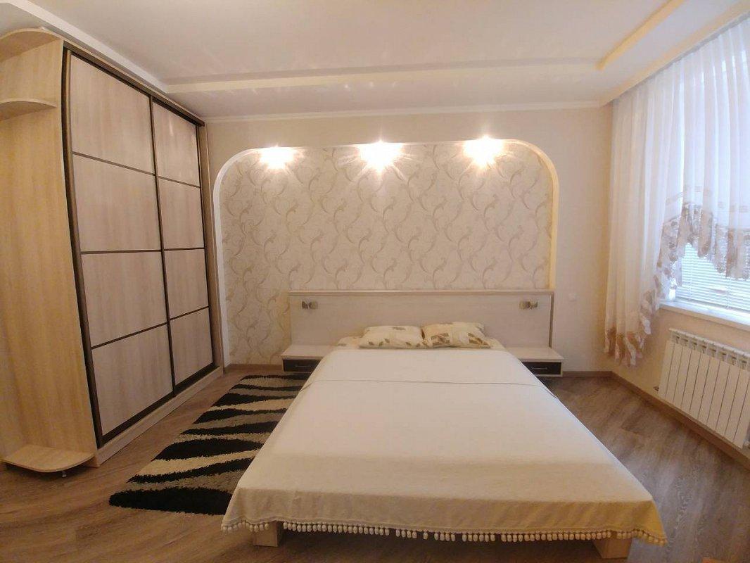 2-комнатная квартира посуточно, Одесса, ул. Среднефонтанская, 19в
