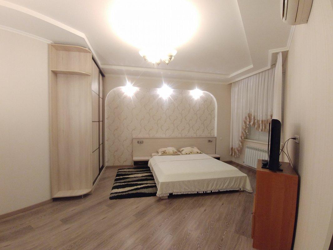 2-комнатная квартира посуточно, Одесса, ул. Среднефонтанская, 19в (5)