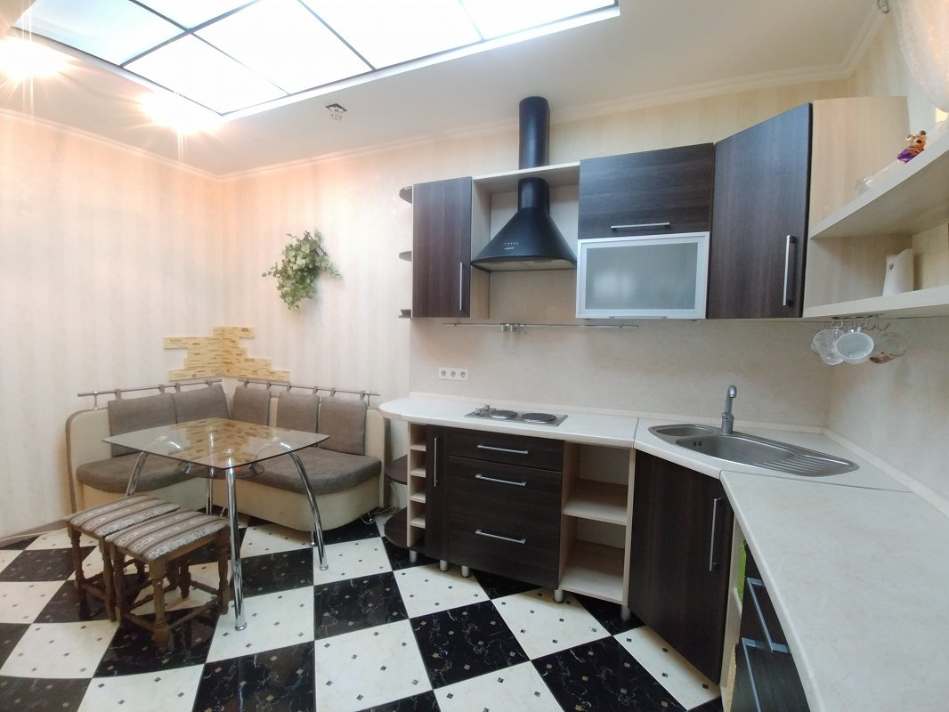 2-комнатная квартира посуточно, Одесса, ул. Среднефонтанская, 19в (8)