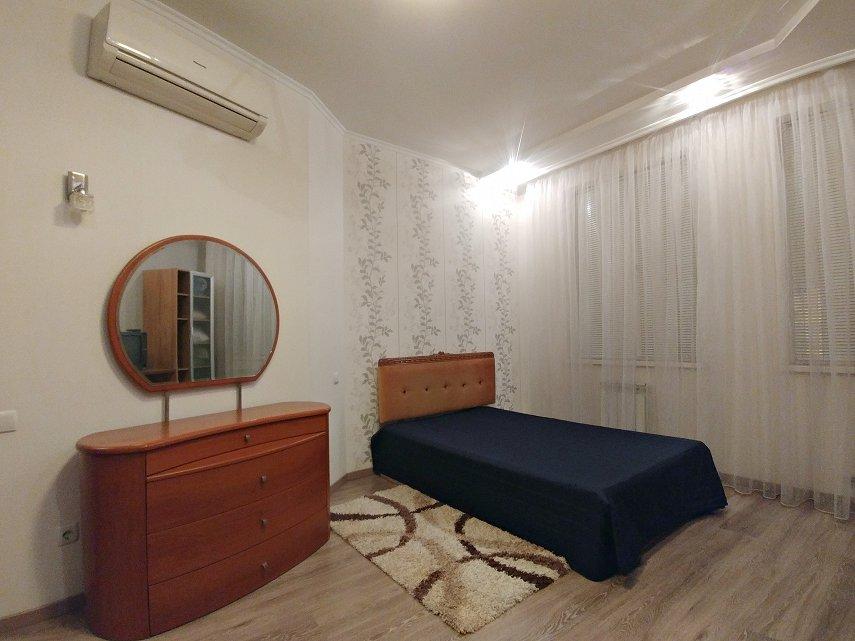 2-комнатная квартира посуточно, Одесса, ул. Среднефонтанская, 19в (2)
