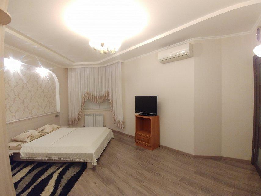 2-комнатная квартира посуточно, Одесса, ул. Среднефонтанская, 19в (4)