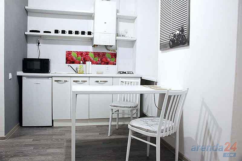 Двухкомнатная уютная квартира в ближнем центре, и не далеко от вокзала. (1)