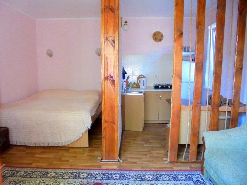 Домик для семейного отдыха на 2-4 человека в Феодосии. (8)