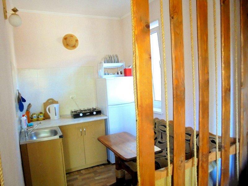 Домик для семейного отдыха на 2-4 человека в Феодосии. (9)