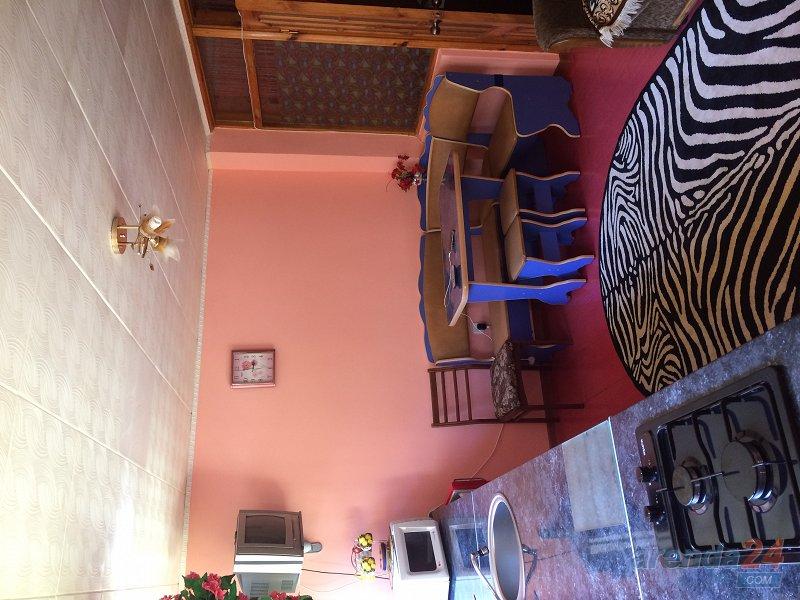 2-комнатная квартира посуточно, Алушта, ул. Карла Маркса, 7 (1)