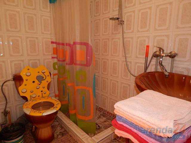 2-комнатная квартира посуточно, Алушта, ул. Карла Маркса, 7 (6)