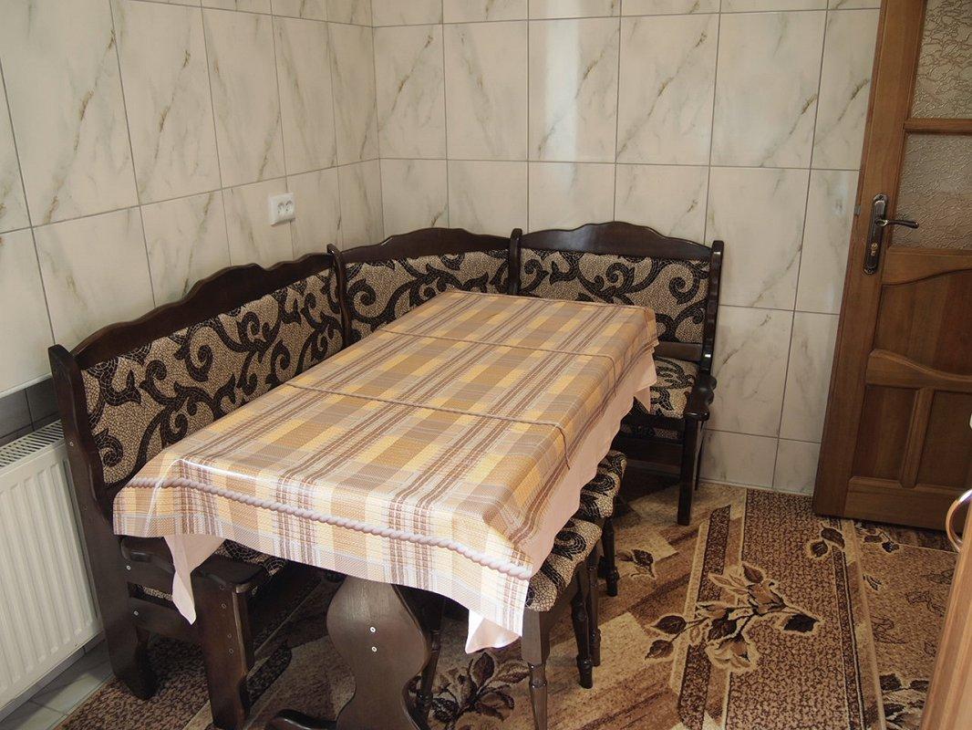 1 комнатная квартира посуточно, Трускавец, ул. Ивасюка, 11 (6)