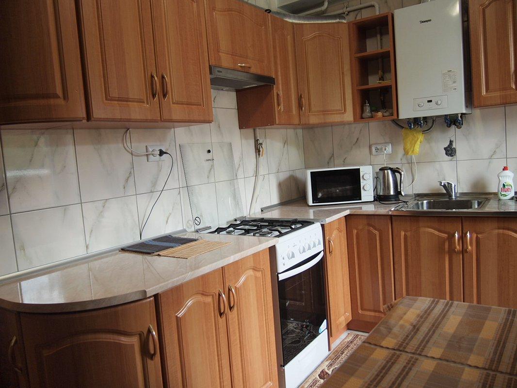 1 комнатная квартира посуточно, Трускавец, ул. Ивасюка, 11 (7)