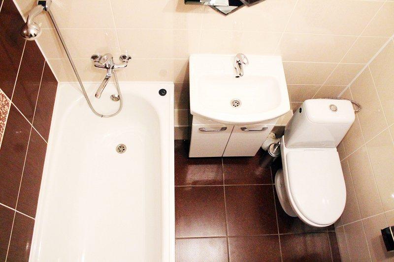 В центре Мариуполя 1к. квартира с ремонтом от владельца. Отчетные документы командировочным. (2)