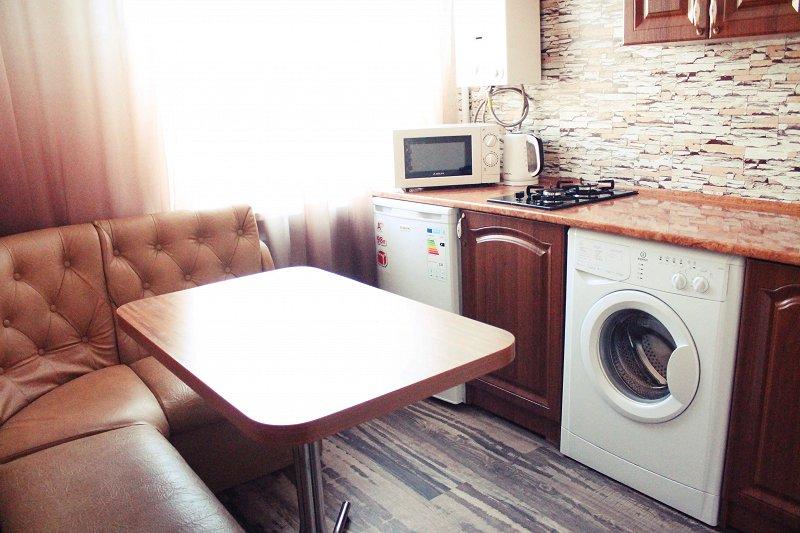 В центре Мариуполя 1к. квартира с ремонтом от владельца. Отчетные документы командировочным. (4)