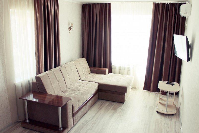 Квартира в самом центре Мариуполя с новым ремонтом от владельца. Отчетные документы командировочным.