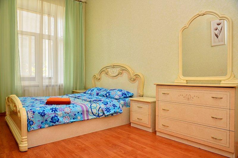 Сдам двухкомнатную квартиру с ремонтом в центре Киева