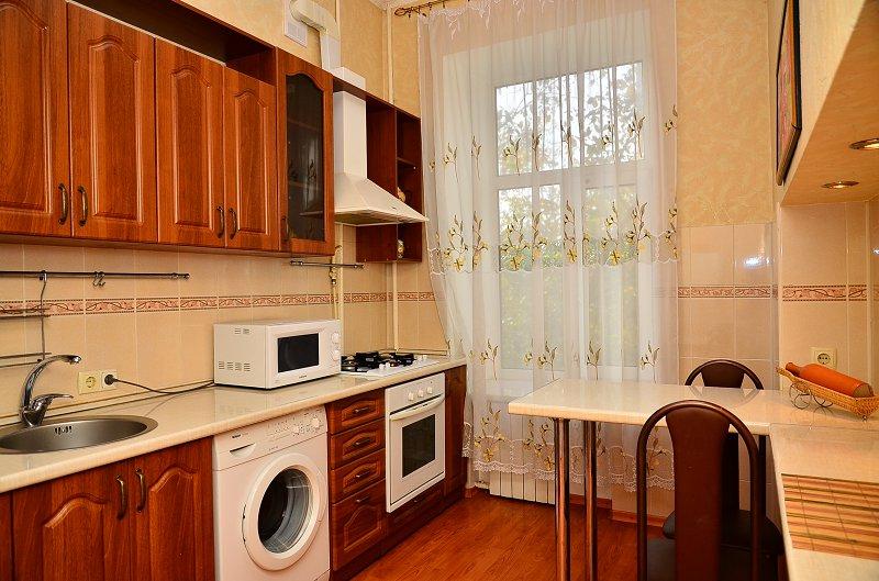 Сдам двухкомнатную квартиру с ремонтом в центре Киева (8)