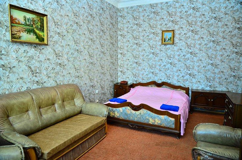 1-комнатная квартира посуточно, Киев, ул. Большая Васильковская, 24 (1)
