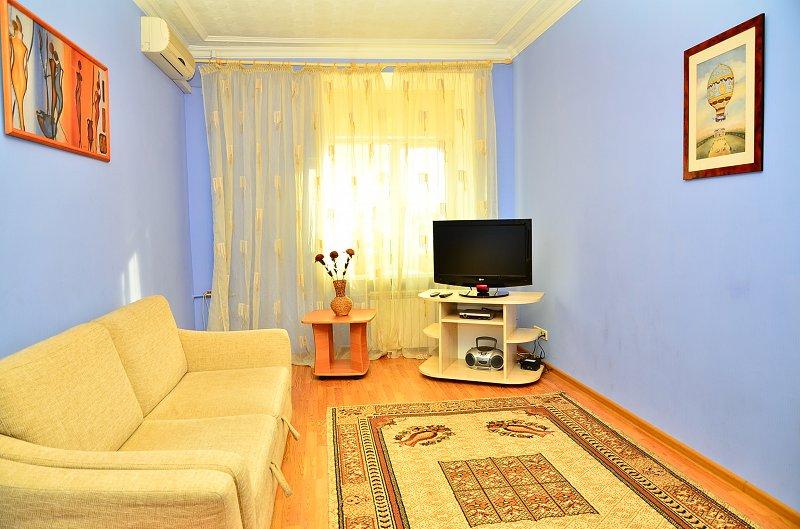 Сдам двухкомнатную квартиру с ремонтом в центре Киева (1)