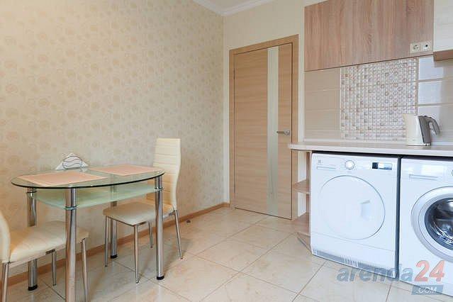 1-комнатная квартира посуточно, Киев, ул. Черновола, 27 (3)