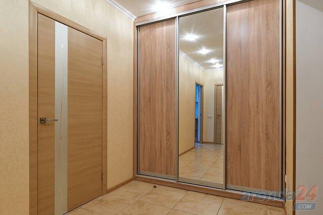1-комнатная квартира посуточно, Киев, ул. Черновола, 27 (6)