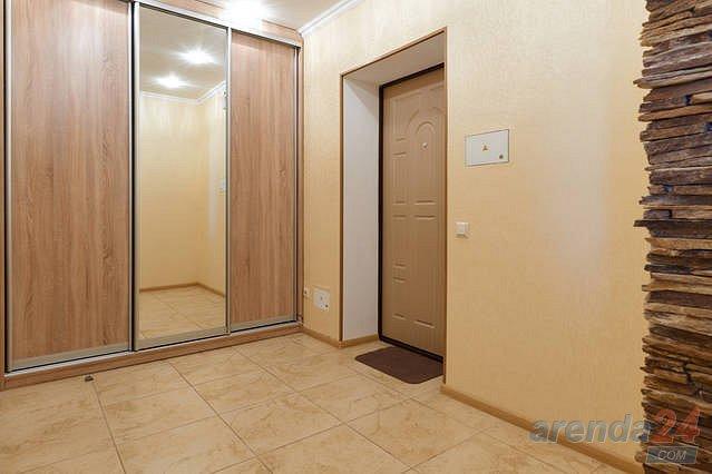 1-комнатная квартира посуточно, Киев, ул. Черновола, 27 (7)