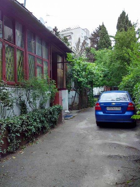 1-кімнатна квартира подобово, Ялта, вул. Щорса, 3 (8)