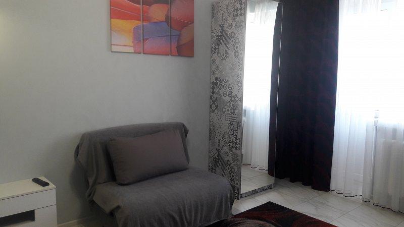 1-комнатная квартира посуточно, Чернигов, ул. Мстиславская, 3 (8)