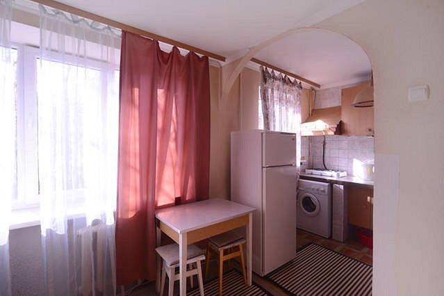 1-кімнатна квартира подобово, Київ, вул. Червонопільська, 3 а (3)