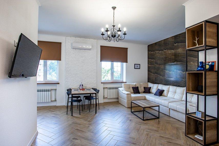 Студия De Luxe  с отдельной спальней в самом центре Николаева (7)