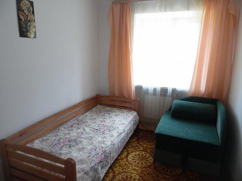 2-комнатная квартира посуточно, Моршин, ул. 50-летия УПА, 4 (2)