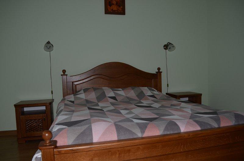 2-комнатная квартира посуточно, Моршин, ул. Привокзальная, 61а (1)