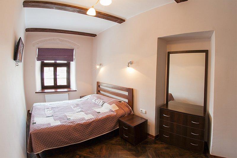 Квартира в самом центре города Львов за доступной ценой с новым евроремонтом и просторной кухней на ул. Армянская 12/5 (3)