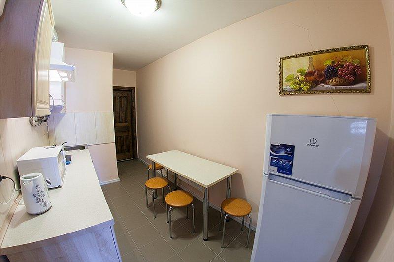 Квартира в самом центре города Львов за доступной ценой с новым евроремонтом и просторной кухней на ул. Армянская 12/5 (7)