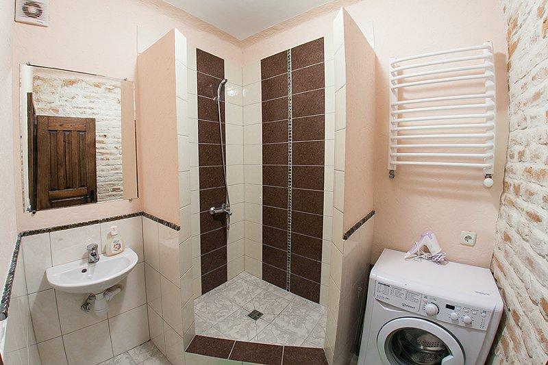 Квартира в самом центре города Львов за доступной ценой с новым евроремонтом и просторной кухней на ул. Армянская 12/5 (8)