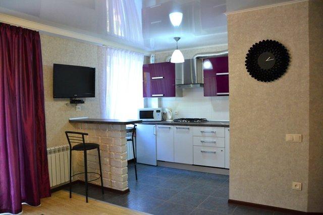 1-кімнатна квартира подобово, Миколаїв, вул. Московська, 54А