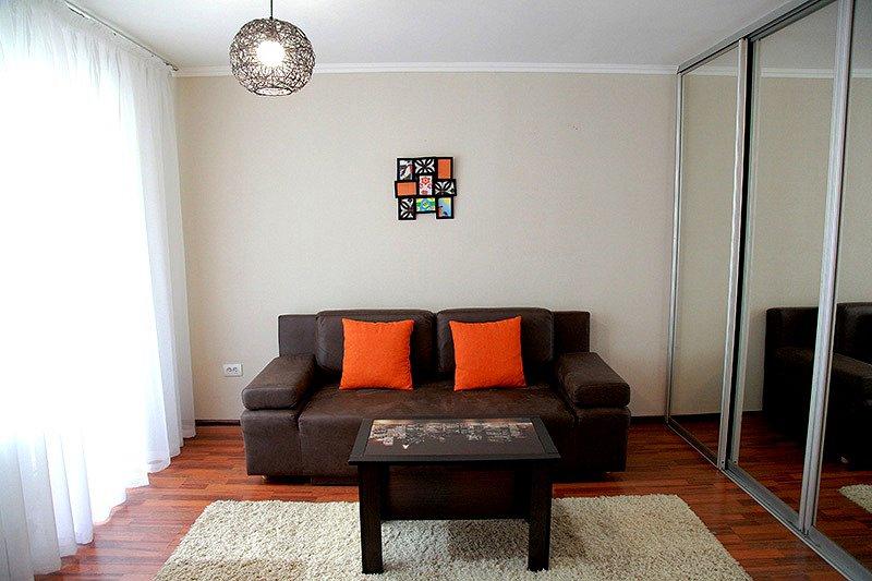 Квартира в центре с новым евро ремонтом (2)