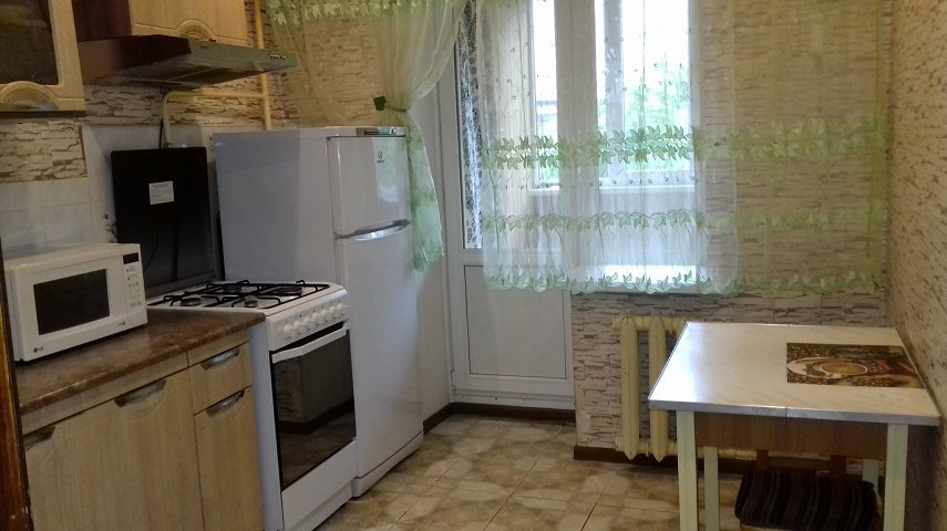 1-кімнатна квартира подобово, Київ, вул. Захарівська, 3а (4)