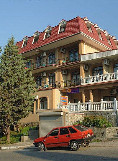 Крым Алушта жилье снять номер в гостинице мини-отеле
