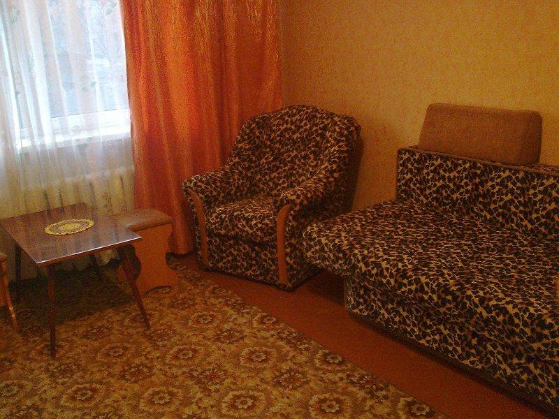Уютная квартира от хозяйки по доступной цене ,недалеко от центра города -посуточно,понедельно и почасово! (1)