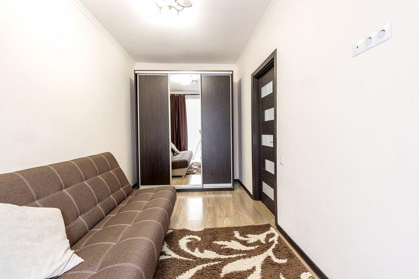 Центр Львова затишна 2 кімнатна квартира (2)