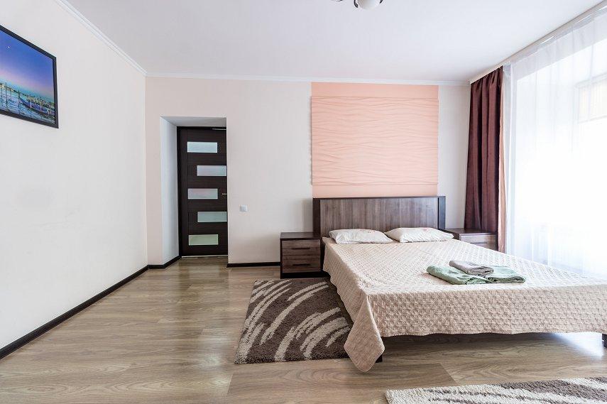Центр Львова затишна 2 кімнатна квартира (3)