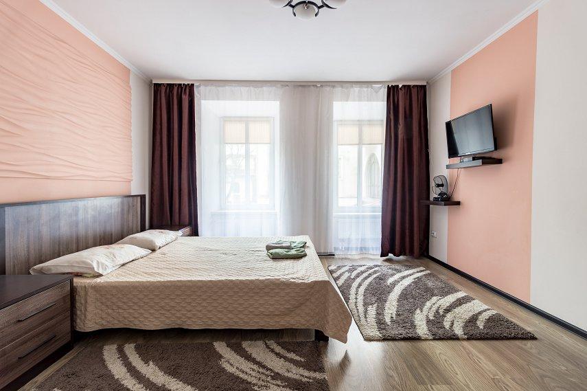 Центр Львова затишна 2 кімнатна квартира (4)